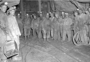 Perjuangan Para Penambang di Film Coal Country