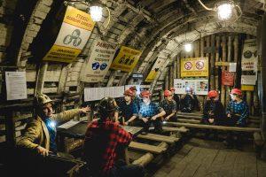 Gambaran Kehidupan Para Penambang dalam Film Coal Country